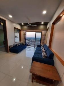 Gallery Cover Image of 1304 Sq.ft 3 BHK Apartment for buy in Sarjan Setu Vertica, Gota for 7300000