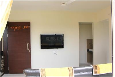 Gallery Cover Image of 1050 Sq.ft 2 BHK Apartment for rent in Magarpatta Cosmos, Magarpatta City for 20000