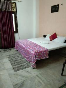 Gallery Cover Image of 2800 Sq.ft 3 BHK Independent House for rent in Sector 31 for 25000
