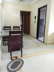 Gallery Cover Image of 825 Sq.ft 2 BHK Apartment for rent in Mulund West for 36000