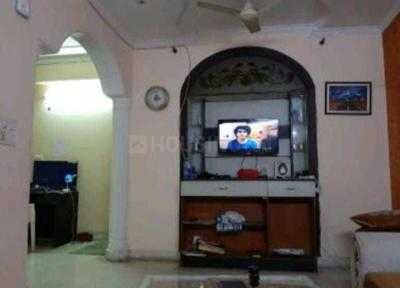 Gallery Cover Image of 1700 Sq.ft 2 BHK Apartment for rent in CGHS National Apartment, Sector 3 Dwarka for 23000