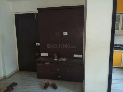 Gallery Cover Image of 680 Sq.ft 2 BHK Apartment for rent in Kandivali West for 32000