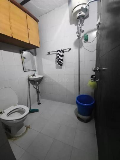 ग्रेटर कैलाश में सरना में कॉमन बाथरूम की तस्वीर