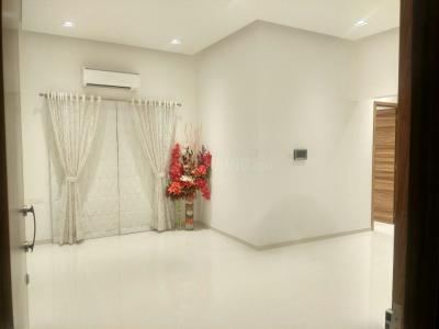 Gallery Cover Image of 650 Sq.ft 1 BHK Apartment for buy in Kharghar for 7000000