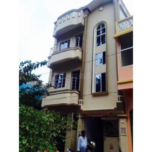 Gallery Cover Image of 2200 Sq.ft 6 BHK Independent Floor for buy in Sarbodaya Nagar for 6100000