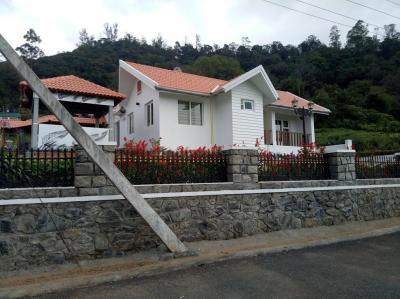 Gallery Cover Image of 2000 Sq.ft 2 BHK Villa for buy in Thalayathimund for 20000000