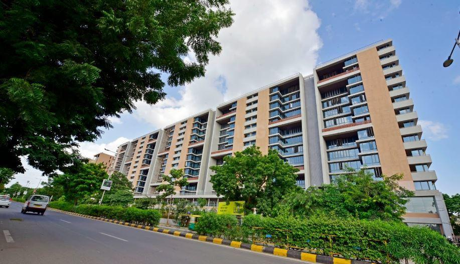 Building Image of 1320 Sq.ft 3 BHK Apartment for rent in Thaltej for 45000