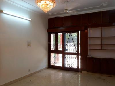 Gallery Cover Image of 2000 Sq.ft 3 BHK Apartment for buy in Vasant Kunj for 31000000