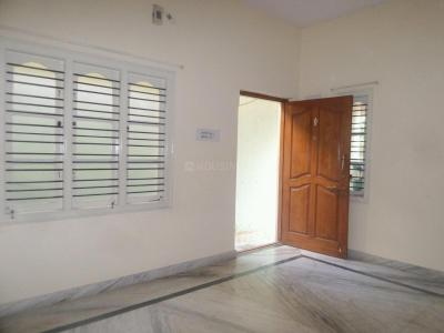 Gallery Cover Image of 650 Sq.ft 2 BHK Apartment for rent in Banashankari for 10000