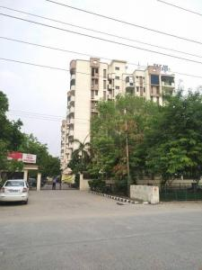 Gallery Cover Image of 1100 Sq.ft 2 BHK Apartment for buy in Paras Apartment, Sector 30 for 6500000