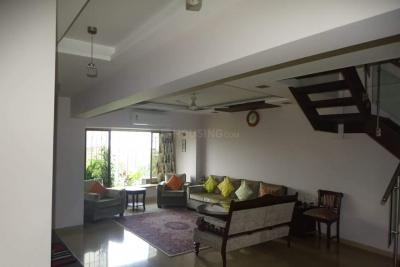 Gallery Cover Image of 2050 Sq.ft 4 BHK Independent Floor for buy in Juhu for 72500000