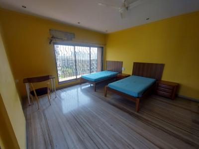 जुहू में पीजी जुहू के हॉल की तस्वीर