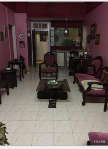 Gallery Cover Image of 700 Sq.ft 1 BHK Apartment for rent in Prabhat, Churchgate for 90000