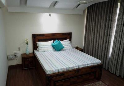 Gallery Cover Image of 1800 Sq.ft 3 BHK Independent Floor for rent in Sector 44 for 20000