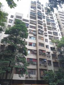 Gallery Cover Image of 620 Sq.ft 2 BHK Apartment for rent in Kandivali East for 25000