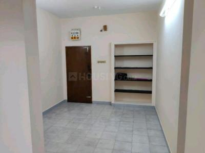 Gallery Cover Image of 750 Sq.ft 2 BHK Apartment for rent in Adambakkam for 15000
