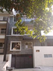 Gallery Cover Image of 1154 Sq.ft 2 BHK Apartment for buy in Vaishnodevi Grandiose, Bhyraveshwara Nagar for 6347000