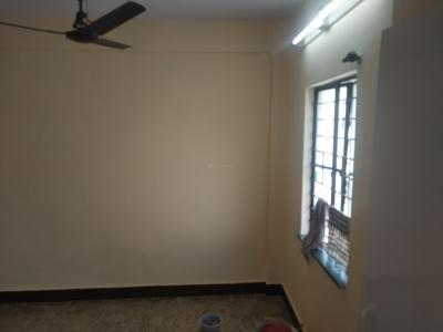 Gallery Cover Image of 600 Sq.ft 2 BHK Apartment for rent in Raj Plaza, Dhankawadi for 11500