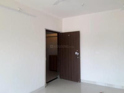 Gallery Cover Image of 855 Sq.ft 2 BHK Apartment for rent in Goregaon West for 35000