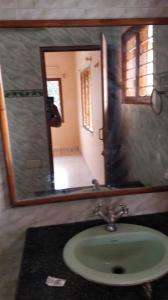 Gallery Cover Image of 700 Sq.ft 1 BHK Independent House for rent in Vijayanagar for 11000