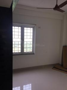 Gallery Cover Image of 1200 Sq.ft 3 BHK Apartment for rent in Sholinganallur for 20000