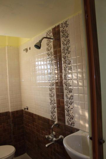Common Bathroom Image of 650 Sq.ft 1 BHK Independent Floor for rent in Battarahalli for 7000