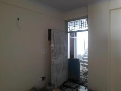Gallery Cover Image of 850 Sq.ft 2 BHK Apartment for buy in Sector 75 for 2400000