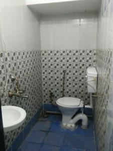 Bathroom Image of Silver Enclave PG in Prabhadevi