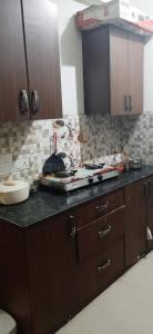 Gallery Cover Image of 1080 Sq.ft 2 BHK Apartment for rent in Noida Extension for 8499