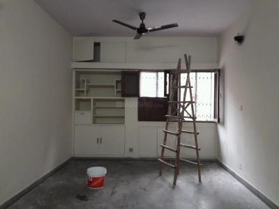 Gallery Cover Image of 1250 Sq.ft 2 BHK Apartment for buy in Sarita Vihar for 13500000