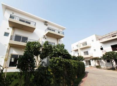 Gallery Cover Image of 1742 Sq.ft 3 BHK Independent House for buy in Paramount Golfforeste Premium Apartments, Surajpur for 5500000