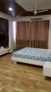 Gallery Cover Image of 4800 Sq.ft 4 BHK Apartment for rent in Bodakdev for 140000