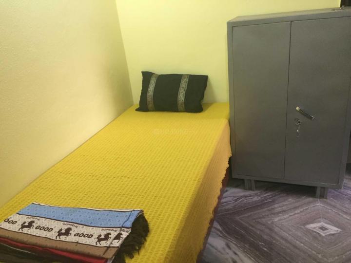 छत्तरपुर में हरी ओम पीजी में बेडरूम की तस्वीर