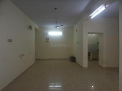 Gallery Cover Image of 1300 Sq.ft 2 BHK Apartment for rent in Valasaravakkam for 15000