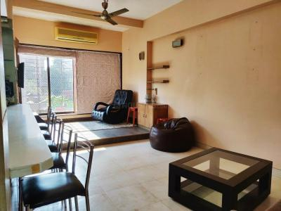 Gallery Cover Image of 850 Sq.ft 1 BHK Apartment for rent in Khar West for 85000