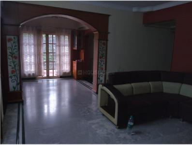 Gallery Cover Image of 1400 Sq.ft 2 BHK Apartment for rent in Chaithrashree Palace, Bilekahalli for 22000