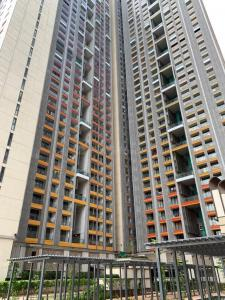 Gallery Cover Image of 681 Sq.ft 1 BHK Apartment for buy in Lodha New Cuffe Parade, Sion for 13900000