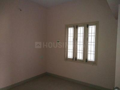 Gallery Cover Image of 1040 Sq.ft 3 BHK Apartment for buy in Pallikaranai for 4784000