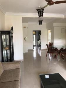 Gallery Cover Image of 1750 Sq.ft 3 BHK Apartment for rent in Bandra West for 145000