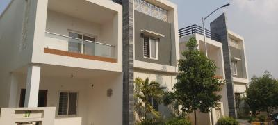 Gallery Cover Image of 2700 Sq.ft 4 BHK Villa for buy in Tellapur for 26000000