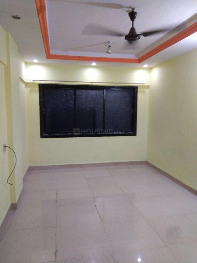Living Room Image of 650 Sq.ft 1 BHK Apartment for rent in Borivali West for 22000