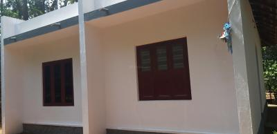 Gallery Cover Image of 1000 Sq.ft 2 BHK Villa for buy in Thiruvalla for 1200000