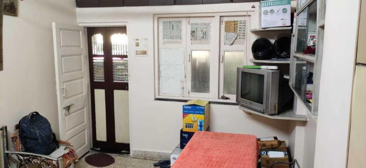 Living Room Image of 550 Sq.ft 1 BHK Apartment for rent in Mulund East for 18000