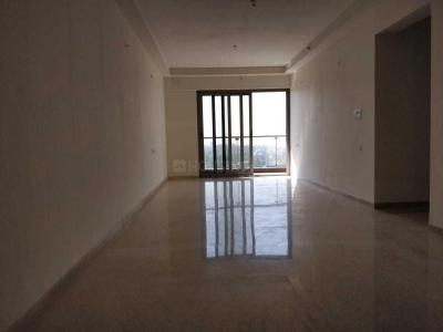 Gallery Cover Image of 2000 Sq.ft 3 BHK Apartment for rent in Khar West for 325000