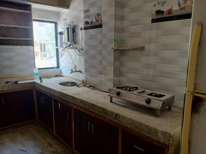 Kitchen Image of 990 Sq.ft 2 BHK Apartment for buy in Parshwanath Parshwanath Towers, Memnagar for 5550000