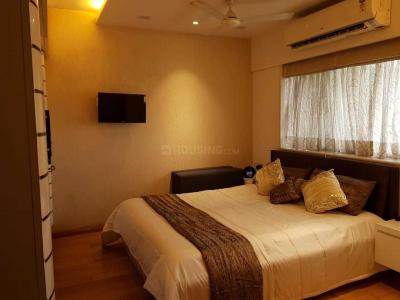 Gallery Cover Image of 650 Sq.ft 1 BHK Apartment for rent in Worli for 90000