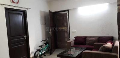 Gallery Cover Image of 990 Sq.ft 2 BHK Apartment for rent in Sethi Max Royal, Sector 76 for 14500