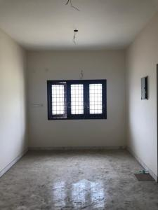 Gallery Cover Image of 990 Sq.ft 2 BHK Apartment for buy in Moolakadai for 5841000
