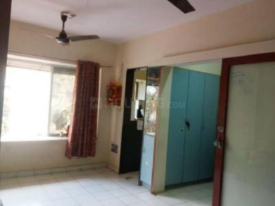Gallery Cover Image of 750 Sq.ft 2 BHK Apartment for rent in Kandivali East for 25000