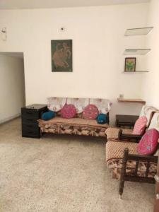 Gallery Cover Image of 550 Sq.ft 2 BHK Apartment for rent in Vastrapur for 18000